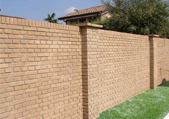 Costruzione di muri di contenimento a gravit in acciaio for Recinzioni in tufo