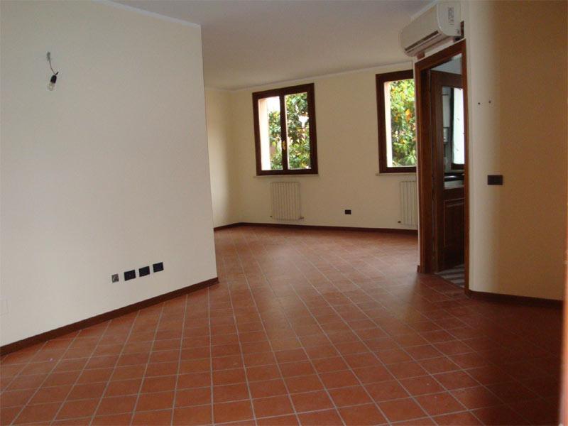 Pavimenti in ceramica a roma prezzi e preventivi - Cotto per esterno prezzi ...